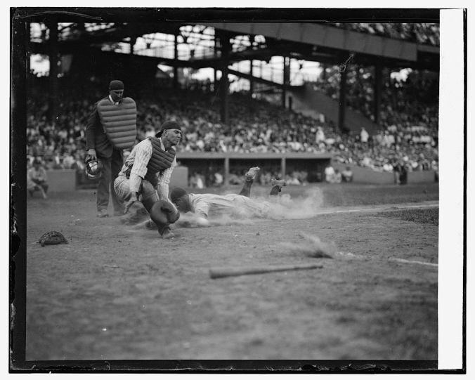 Lou Gehrig slides into home, 1925