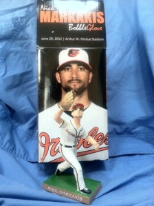 Nick Markakis bobble glove