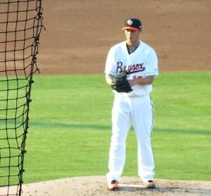 Wei-Yin Chen pitching for the Baysox, June 29, 2013