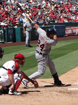 450px-Miguel_Cabrera_batting_against_Angels_(2012-09-09)