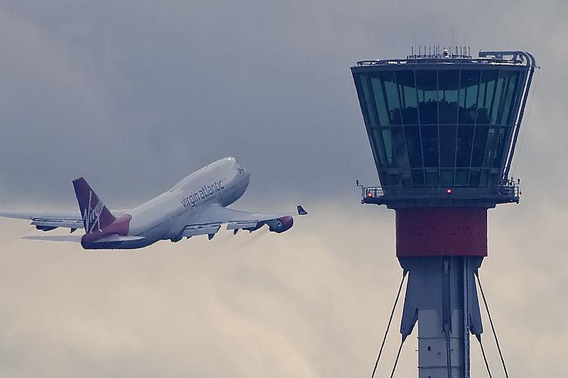 800px-London_Heathrow_tower_and_Virgin_B747_(5048342074)_(2)