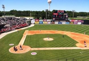 Carolina_Mudcats_at_Five_County_Stadium